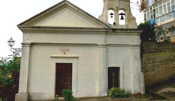 Liquami davanti alla Madonna dei poveri. L'Asp sollecita l'intervento del Comune