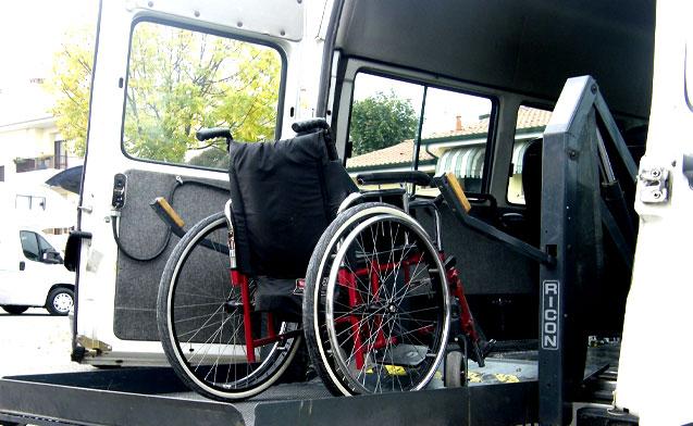Quel pasticcio sul trasporto disabili, l'analisi di Pippo Romano