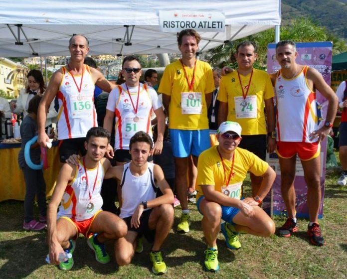 Foto di gruppo per l'atletica San Costantino
