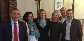 Foto di gruppo con ministro