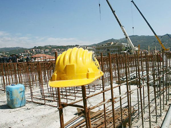 Crisi dell'edilizia, Macrì (Ance): «Lungaggini e incompetenze frenano la ripresa»