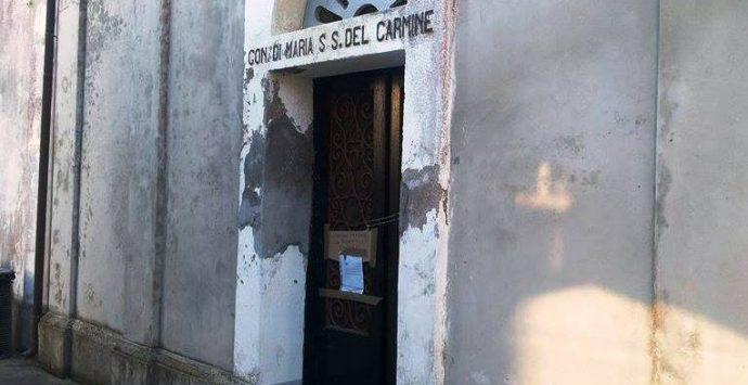 Esalazioni dai loculi. Chiusa cappella comunitaria a Stefanaconi