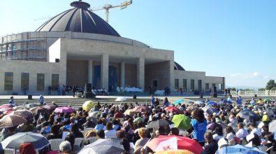 Natuzza: in migliaia per l'arrivo della statua