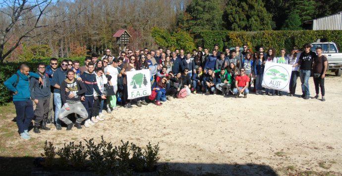 Studenti universitari in visita al vivaio di Ariola