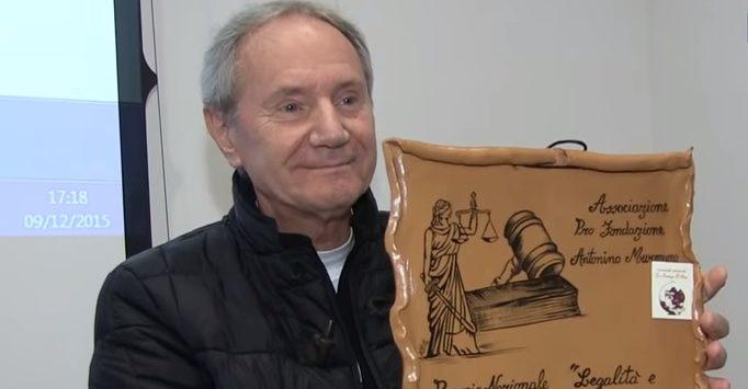 """A don Panizza il premio """"Legalità e democrazia"""" della Pro Fondazione Murmura – VIDEO"""