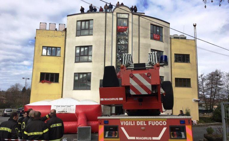 Parco delle Serre, i tirocinanti: «Pronti a tutto, la protesta va avanti a oltranza».