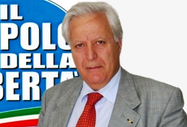 Forza Italia. Fuoco alle polveri, Grillo striglia Mangialavori