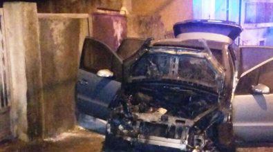Auto data alle fiamme la notte scorsa a Simbario