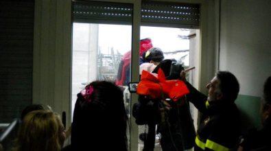 GALLERY/La Befana dei Vigili del fuoco nel reparto Pediatria
