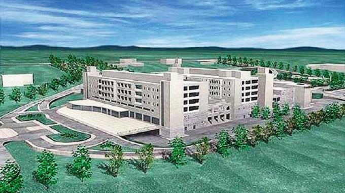 Nuovo ospedale, il dirigente regionale Pallaria assicura: «Lavori al via tra pochi giorni»