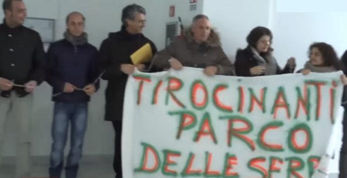 La protesta degli ex tirocinanti del Parco delle Serre arriva alla Regione – VIDEO