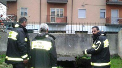 Si apre voragine in via Carlo Parisi a Vibo, otto famiglie evacuate – FOTO/VIDEO