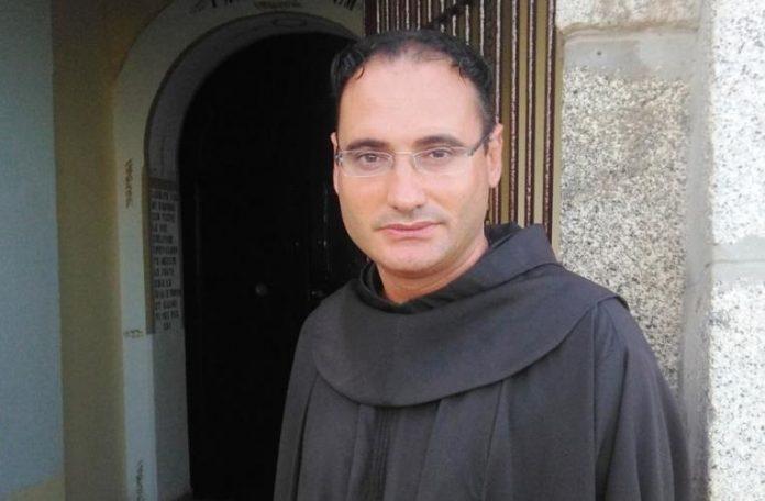 Padre Aldo Lamanna (foto Tropeainforma)