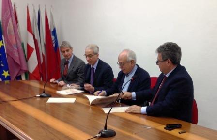 La firma della convenzione questa mattina a Reggio Calabria