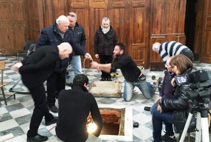 L'apertura della cripta nel Duomo di Pizzo