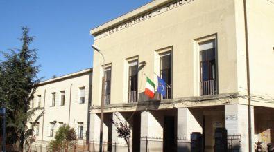 """""""L'enigma della zizzania"""", monsignor Bertolone presenta il suo libro al Liceo Morelli"""
