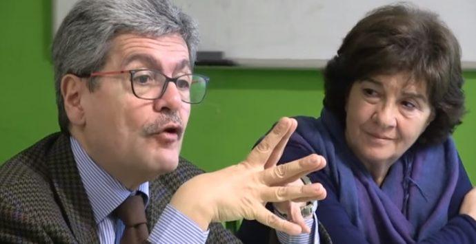 Bullismo e cyber-bullismo, le istituzioni a scuola contro le sopraffazioni – VIDEO