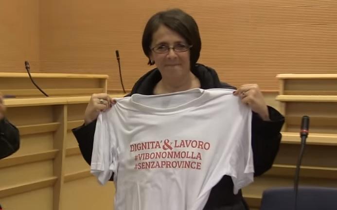 VIDEO | Provincia, Marina Sereni ha incontrato i dipendenti in lotta