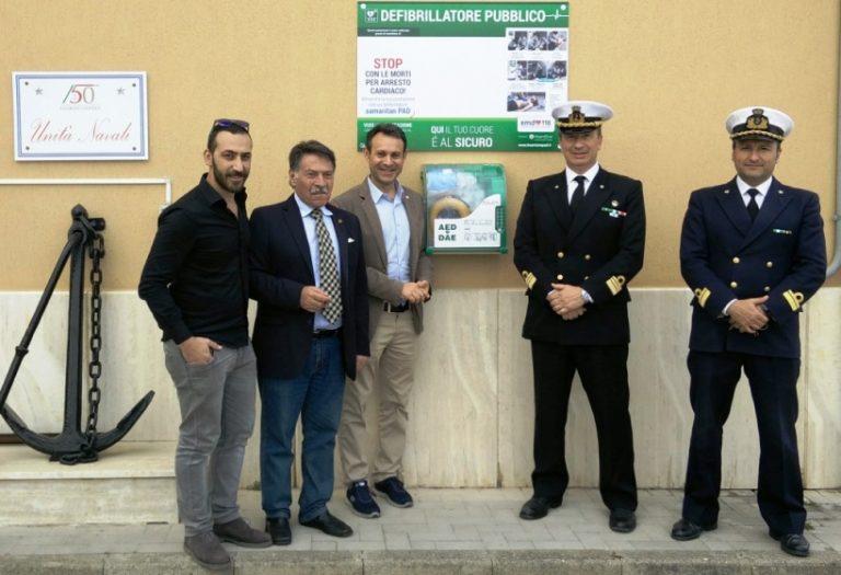 Un defibrillatore a disposizione della comunità di Vibo Marina