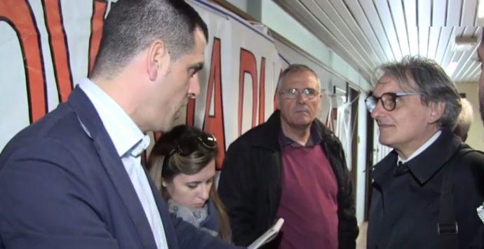 VIDEO | Provincia, i dipendenti invocano le dimissioni di Niglia