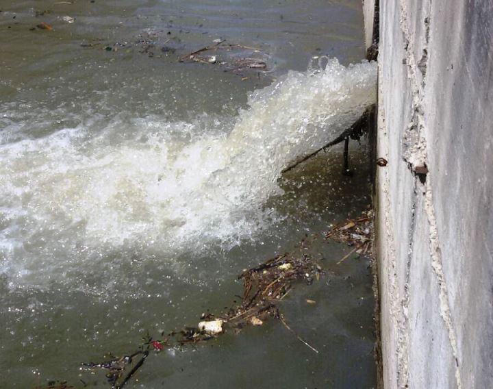 Ricadi, villaggio turistico sversa sostanze tossiche in un torrente