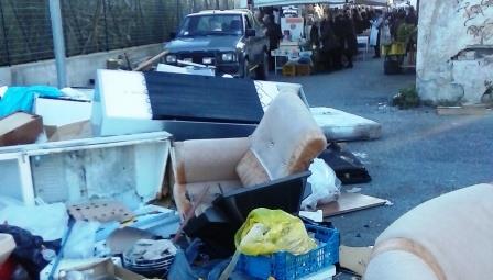 «A Vibo raccolta rifiuti allo sbaraglio», Russo (Pd) striglia l'amministrazione comunale