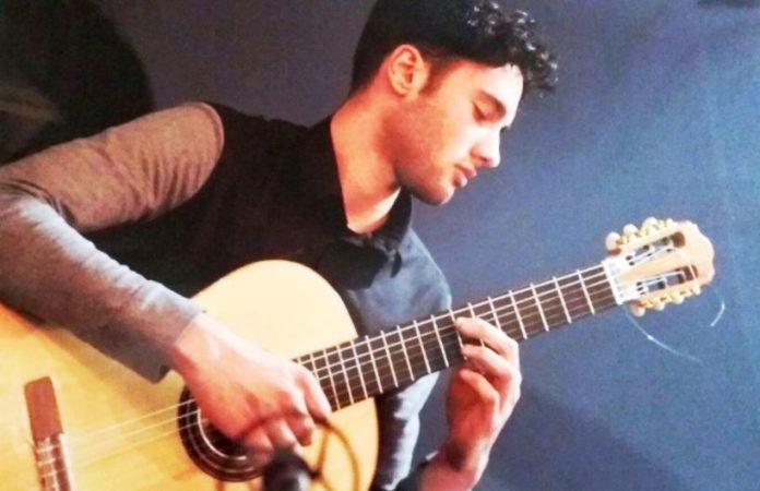 Il giovane chitarrista Diego Cambareri