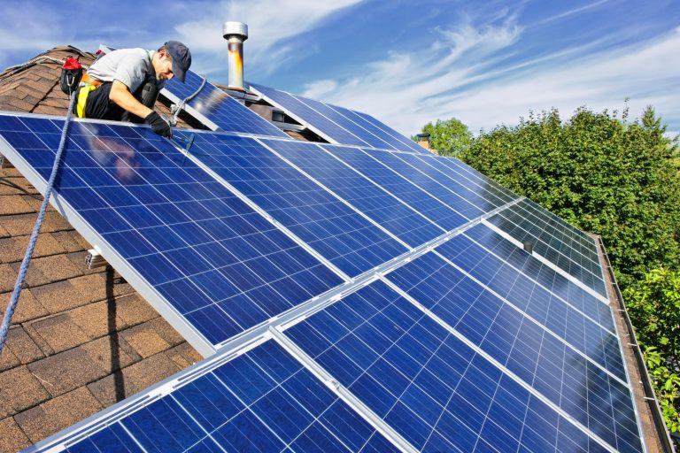 Gerocarne, a breve l'impianto fotovoltaico sul tetto della scuola