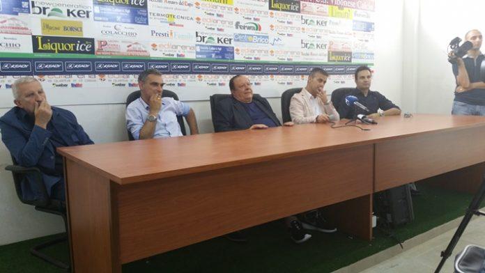 La conferenza stampa di presentazione di Costantino