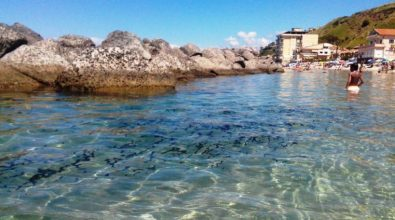 Ci voleva un forestiero per ammettere la verità sul mare di Pizzo?