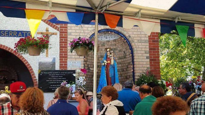 La riproduzione della statua della Madonna di Monserrato