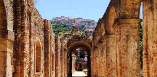 Il chiostro del convento di Soriano