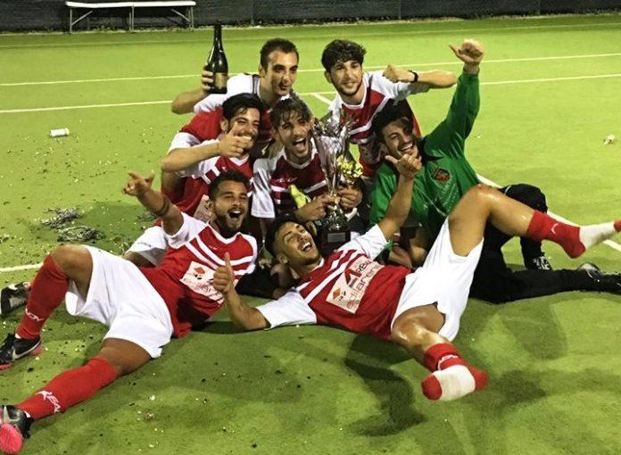 La squadra vincitrice della Summer Cup