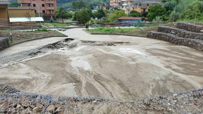 Il costruendo anfiteatro danneggiato dal maltempo