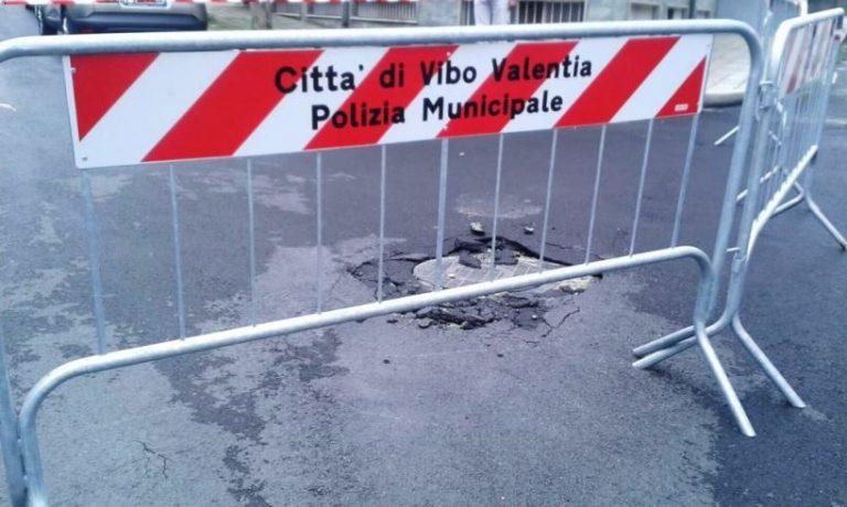 """Via Parisi, i """"Liberali per Vibo"""" fanno quadrato attorno a Lombardo"""