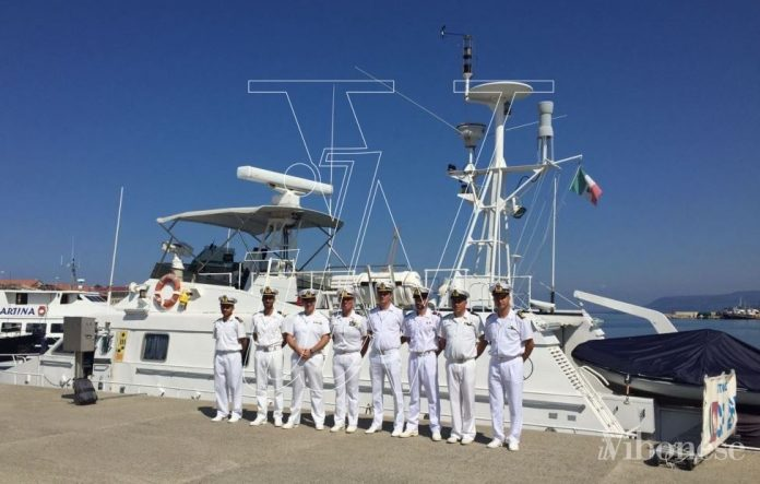 Gli uomini della Guardia costiera con il neo comandante Rocco Pepe