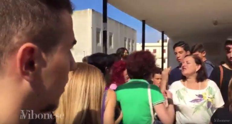 VIDEO | Terremoto, l'evacuazione delle scuole si trasforma in caos