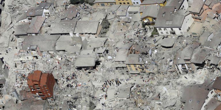 Terremoto, il tragico evento che svela le debolezze italiane