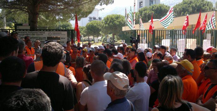 Lo stabilimento di Vibo Marina escluso dalla vertenza Italcementi, Patania furioso