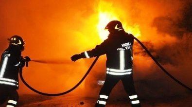 In fiamme l'auto di alcuni turisti tedeschi a Coccorino