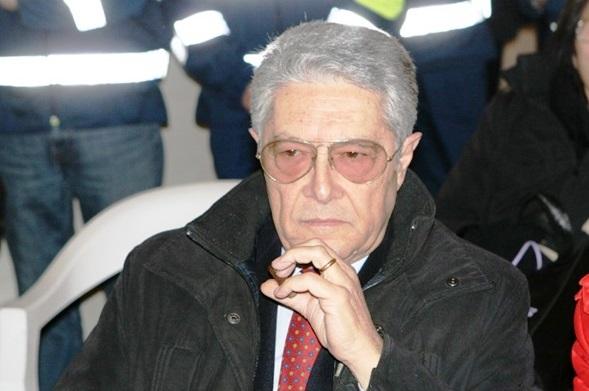 Giorni complicati per il sindaco di Vibo Elio Costa