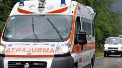 Incidente sul lavoro nel Vibonese, si ribalta con la motopala e rimane ferito