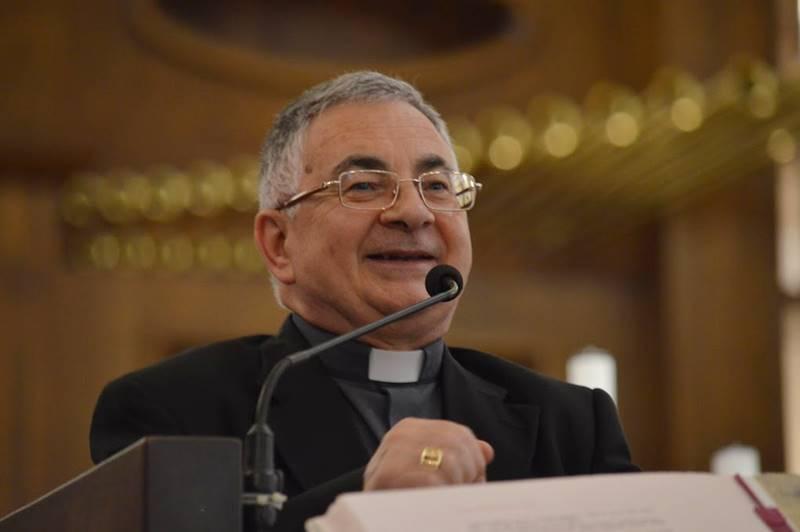 Il vescovo Luigi Renzo