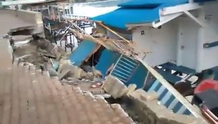 Il lido distrutto dalla mareggiata a Tropea