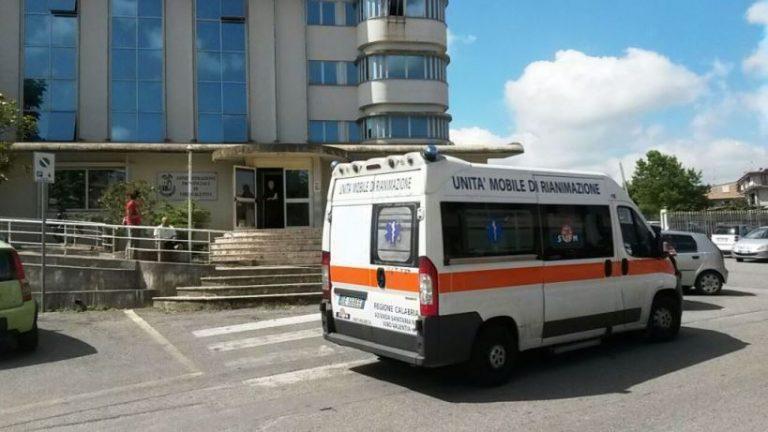 Ambulanze senza barelle a Vibo, l'Aasi chiede l'attivazione dei box di ripristino