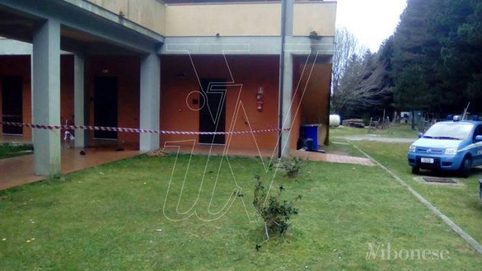 La Polizia all'hotel Lacina a Brognaturo