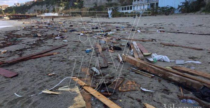 """Erosione costiera, se Oliverio incontra i sindaci della """"costa ionica"""" vibonese…"""