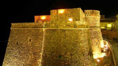 Giornata mondiale dell'Autismo, a Pizzo il Castello Murat si tinge di blu