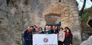 """La visita del Touring Club alla """"Città di Pietra"""""""