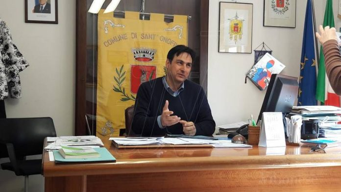 Il sindaco Maragò in conferenza stampa